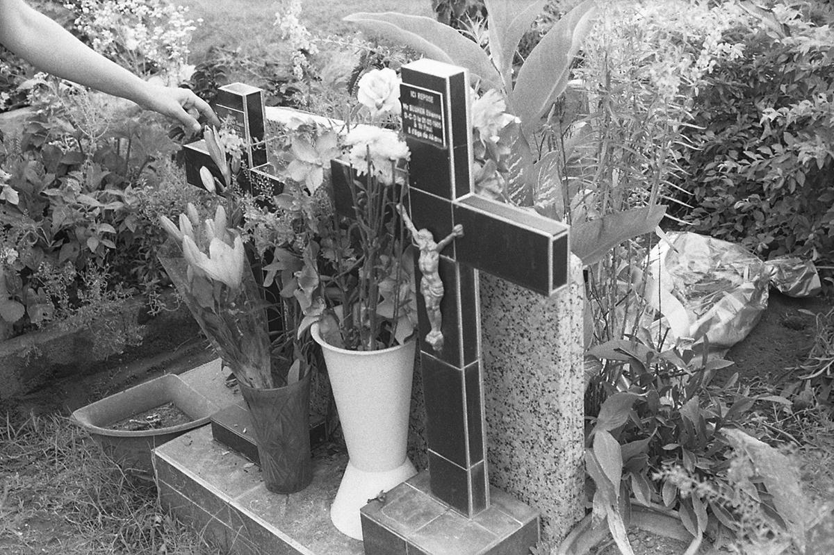 La tombe fleurie de mon padre, et l'océan indien